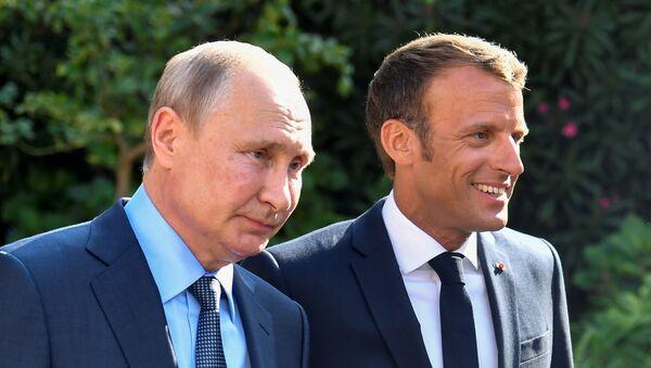 Rusya lideri Vladimir Putin, Fransa Cumhurbaşkanı Emmannuel Macron - Sputnik Türkiye