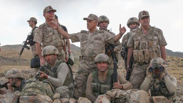 Kıran Operasyonu, Jandarma Genel Komutanı Orgeneral Arif Çetin - Sputnik Türkiye