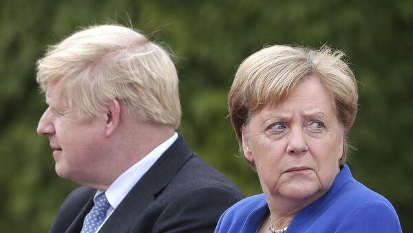 Merkel, Boris Johnson, Berlin - Sputnik Türkiye