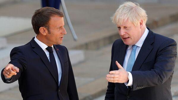 Emmanuel Macron ve Boris Johnson  - Sputnik Türkiye
