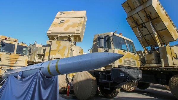 İran'ın 'Baver (İnanç) 373' isimli yeni yerli üretim uzun menzilli hava savunma sistemi - Sputnik Türkiye