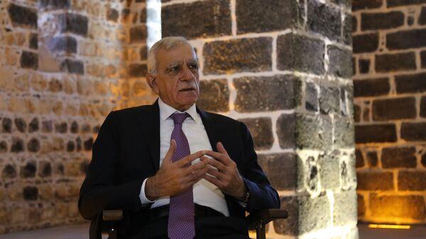 Görevden alınan Mardin Büyükşehir Belediye Başkanı Ahmet Türk - Sputnik Türkiye