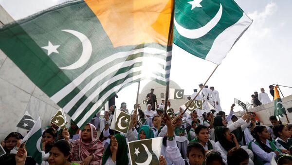 Pakistan'ın Karaçi şehrinde Hindistan'ın Keşmir kararına yönelik protesto mitingi - Sputnik Türkiye