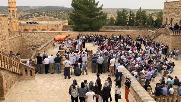 Süryaniler kutsal gün için Midyat'a akın etti - Sputnik Türkiye