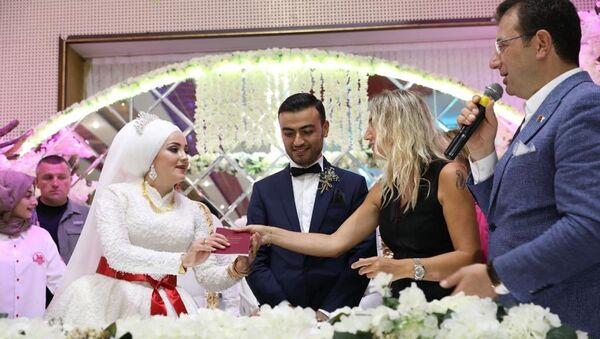 Ekrem İmamoğlu düğünde - Sputnik Türkiye