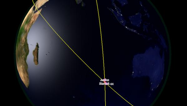 Avrupa uydusu, Musk'ın aracına çarpmamak için manevra yapmak zorunda kaldı - Sputnik Türkiye
