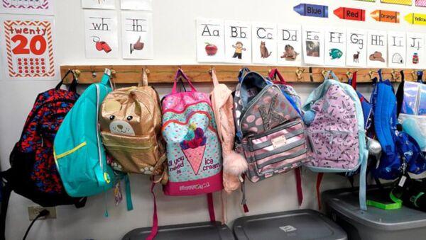 ABD'de kurşun geçirmez okul çantalarının satışları yüzde 300 arttı - Sputnik Türkiye