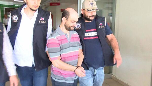 FETÖ'nün Türkiye imamı olduğu iddiasıyla gözaltına alınan Mesut Y. ve işi tutuklandı - Sputnik Türkiye
