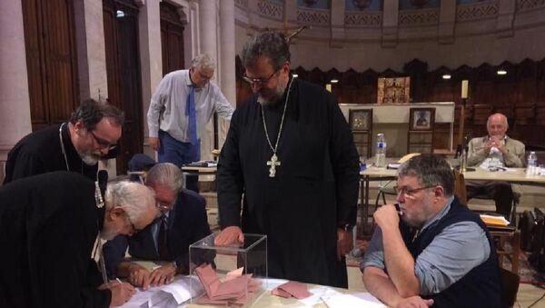 Fener Rum Patrikhanesi'nden ayrılan Rus Ortodoks Kiliseleri, Moskova Patrikhanesi ile birleşmeyi oyladı - Sputnik Türkiye