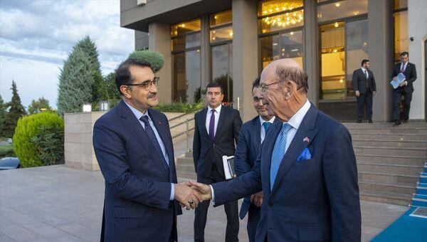Bakan Dönmez ile ABD Ticaret Bakanı Ross - Sputnik Türkiye