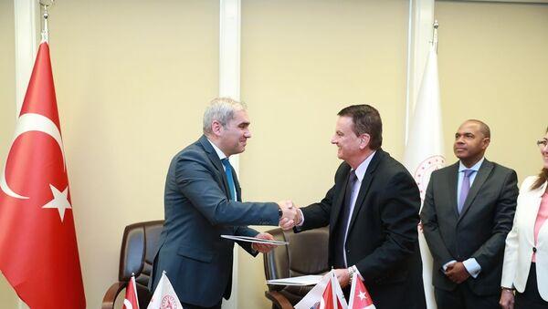 Türkiye İlaç ve Tıbbi Cihaz Kurumu'muz (TİTCK) ile Küba Devlet İlaç ve Tıbbi Cihazların Kontrol Merkezi (CECMED) arasında Mutabakat Zaptı imzalandı.  - Sputnik Türkiye