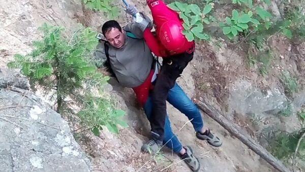Tansiyonu yükselince Uludağ'da mahsur kalan kişi jandarma tarafından kurtarıldı - Sputnik Türkiye
