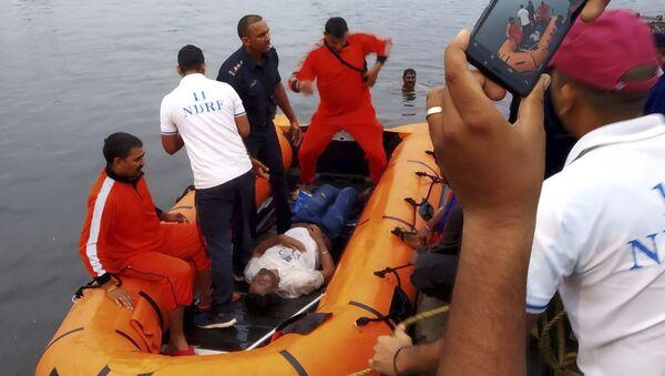 Hindistan'da gezi teknesi alabora oldu - Sputnik Türkiye