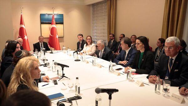 Cumhurbaşkanı Recep Tayyip Erdoğan, ABD'deki Yahudi kuruluş temsilcileri ile New York civarında yaşayan Musevi vatandaşları kabul etti. - Sputnik Türkiye