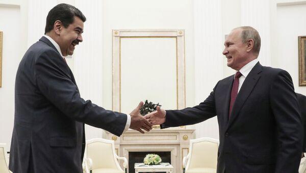 Rusya Devlet Başkanı Vladimir Putin, Moskova'da Venezüella Devlet Başkanı Nicolas Maduro ile bir araya geldi. - Sputnik Türkiye