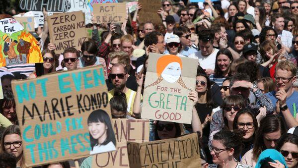 Yeni Zelanda'da on binlerce öğrenci iklim grevinde - Sputnik Türkiye