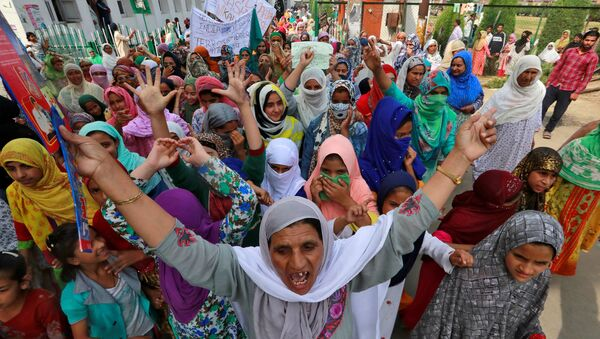 Hindistan'ın Cammu Keşmir eyaletinin başkenti Srinagar'da, Pakistan Başbakanı İmran Han'ın Birleşmiş Milletler (BM) Genel Kurulu'ndaki konuşmasının ardından,son 24 saatte23 sokak gösterisi düzenlendiği bildirildi. - Sputnik Türkiye