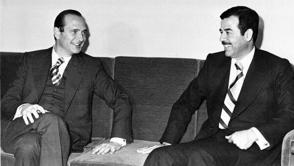 Eski Fransa Cumhurbaşkanı Jacques Chirac, eski Irak Lideri Saddam Hüseyin - Sputnik Türkiye