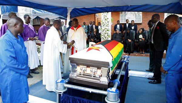 Zimbabve'nin eski lideri Robert Mugabe defnedildi. - Sputnik Türkiye