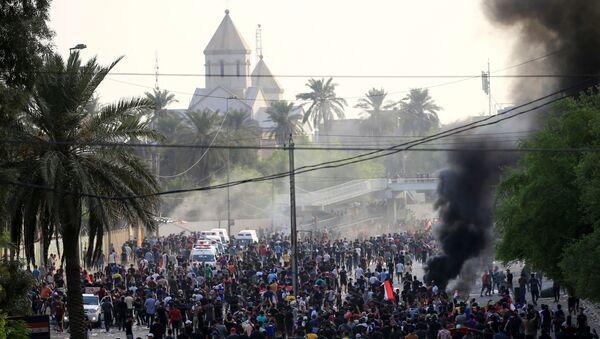 Irak'ın başkenti Bağdat'ta hükümete karşı işsizlik ve yolsuzluk protestoları - Sputnik Türkiye
