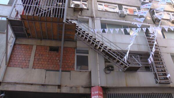 İstanbul'un çıkışı olmayan yangın merdivenleri - Sputnik Türkiye