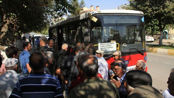 Diyarbakır'da belediye, hastaneye ücretsiz ulaşım sağlayan otobüsleri geri istedi - Sputnik Türkiye
