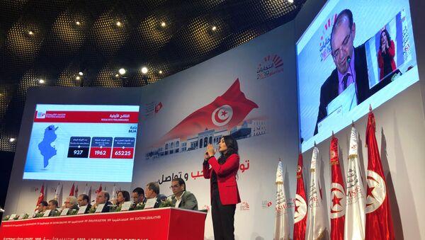 Tunus'ta pazar günü gerçekleştirilen parlamento seçimlerinin resmi sonuçlarına göre Nahda Hareketi, 52 milletvekili çıkararak birinci oldu - Sputnik Türkiye
