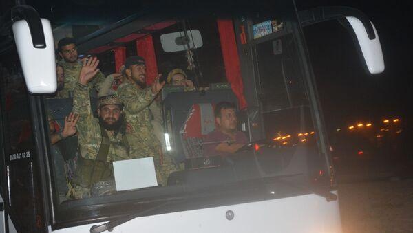 TSK, Barış Pınarı Harekatı için Tel Abyad sınırına 500 ÖSO militanı ile ağır silah gönderdi. - Sputnik Türkiye