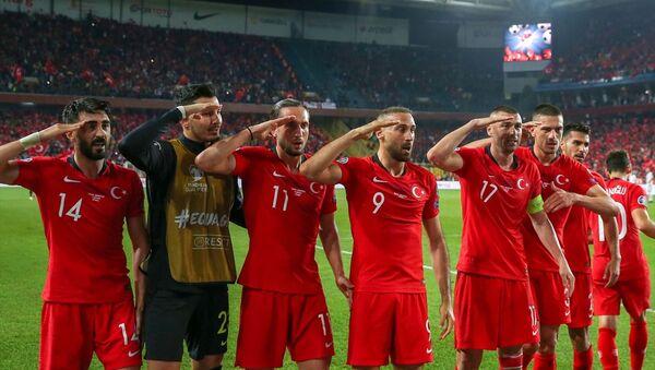 A Milli Futbol Takımı, 2020 Avrupa Şampiyonası Elemeleri H Grubu'nda Arnavutluk'u 1-0 yendi. - Sputnik Türkiye