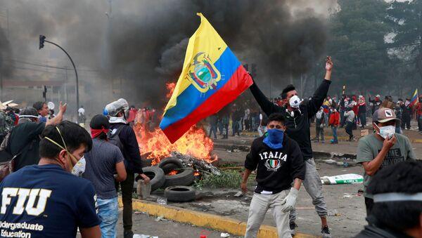 Ekvador'da sokağa çıkma yasağına rağmen protestolar sürüyor - Sputnik Türkiye