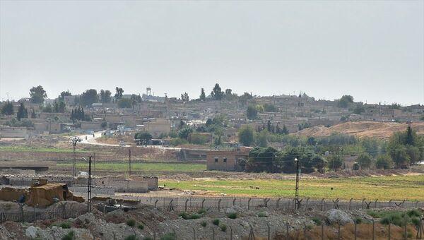 Şanlıurfa'nın Akçakale ilçesinin karşısındaki Suriye topraklarında yer alan Tel Abyad ve Ras'ül Ayn'daki ABD askeri noktalarını kullanan hareketli unsurlar çekilmeye başladı. - Sputnik Türkiye