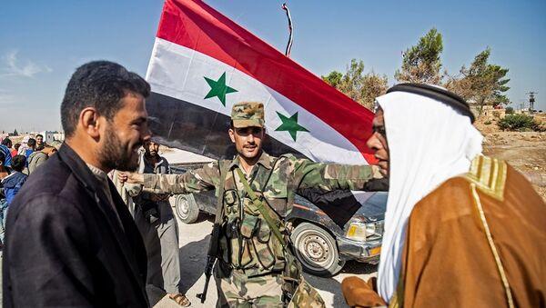 Suriye ordusu Tabka ve Til Temir'e giriş yaptı - Sputnik Türkiye