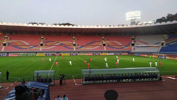 Kuzey Kore ile GüneyKore'yi başkent Pyongyang'da 29 yıl sonra karşı karşıya getiren 2022 FIFA Dünya Kupası Asya Eleme Grubu maçı, 0-0 sona erdi. - Sputnik Türkiye