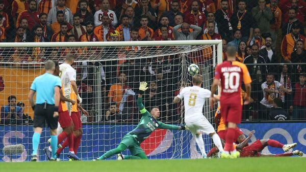 Galatasaray, UEFA Şampiyonlar Ligi A Grubu 3. hafta maçında İspanya temsilcisi Real Madrid ile Türk Telekom Stadı'nda karşılaştı.  - Sputnik Türkiye