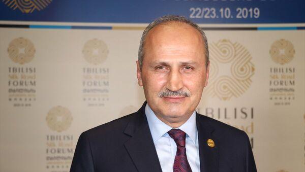Ulaştırma ve Altyapı Bakanı Cahit Turhan - Sputnik Türkiye