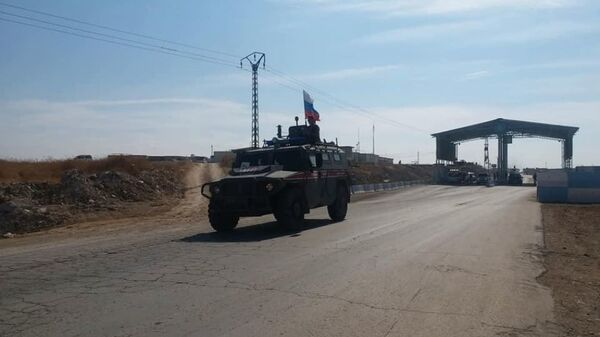 Kobani'de Rus askeri polis  - Sputnik Türkiye