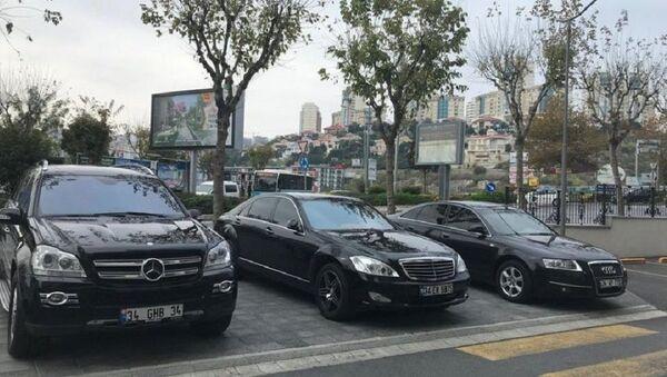 İBB 3 lüks aracı müzayede ile sattı - Sputnik Türkiye