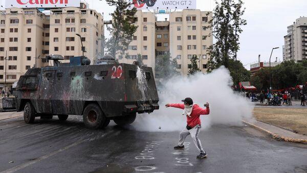 Şili'de protestolar - Sputnik Türkiye