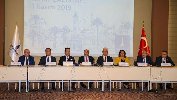 CHP'li büyükşehir belediye başkanlarının İzmir'deki çalıştayı sona erdi - Sputnik Türkiye