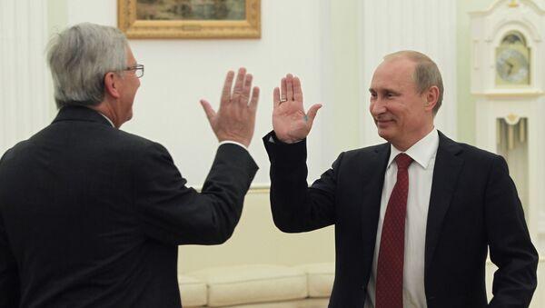 Rusya Devlet Başkanı  Vladimir Putin ve Jean-Claude Juncker  - Sputnik Türkiye