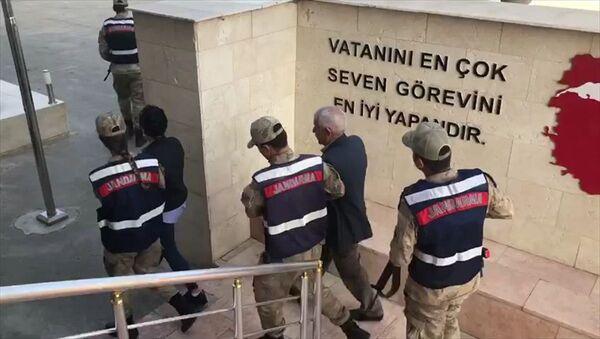 Diyarbakır'da HDP'li Belediye Meclis üyesine terörden tutuklama - Sputnik Türkiye