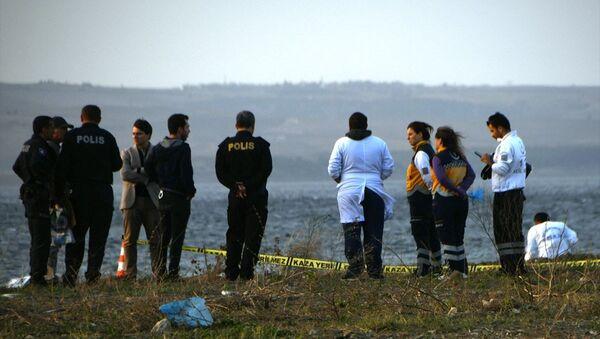 Çanakkale'nin Lapseki ilçesinde sahile vurmuş kadın cesedi bulundu - Sputnik Türkiye