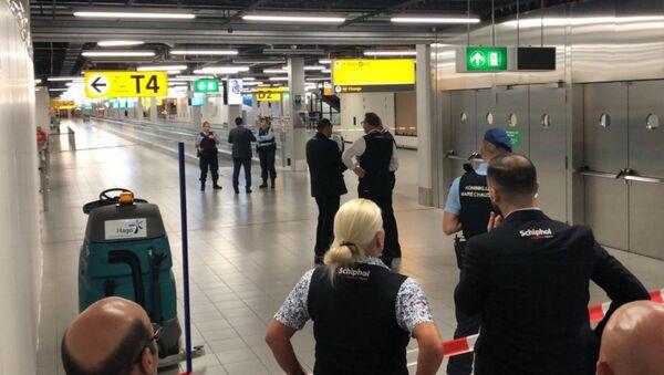 Amsterdam'daki Schipol Havalimanı'nda 'şüpheli durum' incelemesi - Sputnik Türkiye
