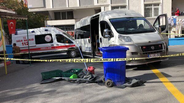 Avcılar'da okul bahçesinde servis aracının çarptığı çocuk hayatını kaybetti - Avcılar - Sputnik Türkiye