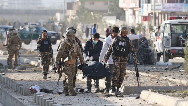 Afganistan'ın başkenti Kabil'de bomba yüklü araçla düzenlenen saldırıda 12 kişi hayatını kaybetti. - Sputnik Türkiye