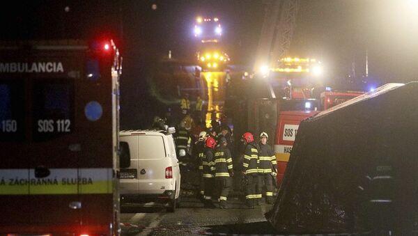 Slovakya'da meydana gelen trafik kazasında 13 kişi hayatını kaybetti, 20 kişi yaralandı. - Sputnik Türkiye