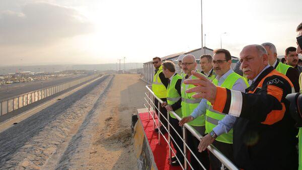 Enerji ve Tabii Kaynaklar Bakanı Fatih Dönmez, Türk Akım Doğalgaz Boru Hattı Projesi alım terminalini ziyaret ederek yetkililerinden bilgi aldı. - Sputnik Türkiye