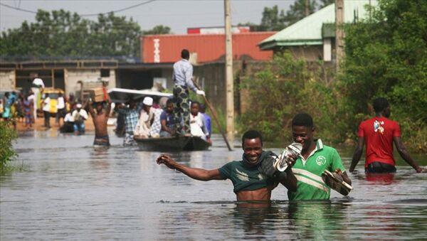 Nijerya'da sel 40 bin kişiyi yerinden etti - Sputnik Türkiye