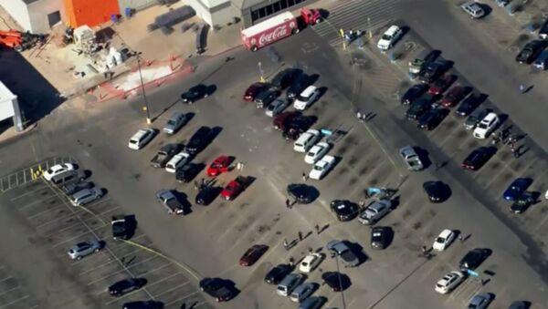 ABD'nin Oklahoma eyaletinde yer alan Walmart alışveriş merkezinde silahlı saldırı yaşandı. - Sputnik Türkiye