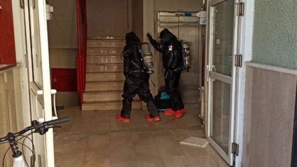 Kimyasal madde ile intihara kalkıştı: 18 kişi hastaneye kaldırıldı - Sputnik Türkiye